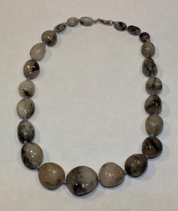 Slika ŽENSKA OGRLICA ročno delo kamen